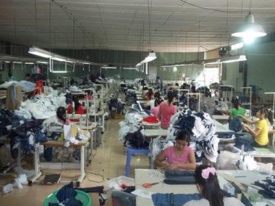 Thị trường áo thun trơn giá sỉ tại TP.HCM