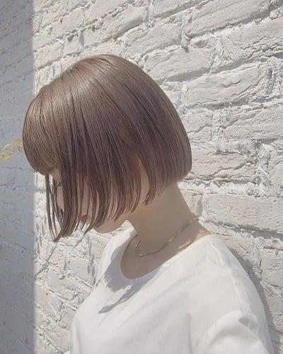 Tóc ngắn mái ngố màu trà sữa