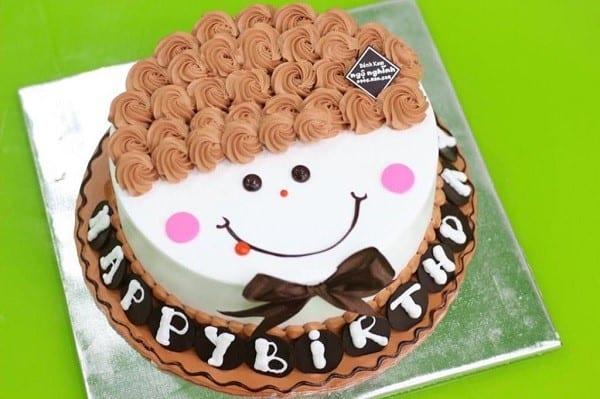 Bánh kem mặt cười tóc xoăn - Ảnh 1