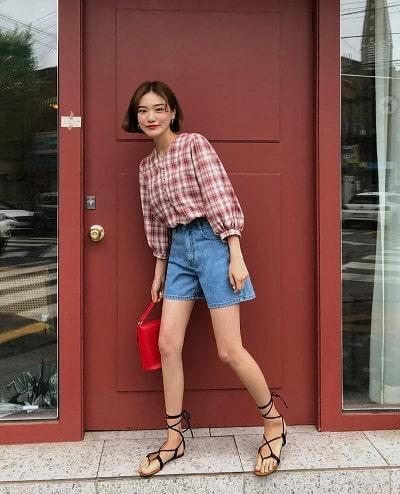 Áo kẻ + Quần short jeans