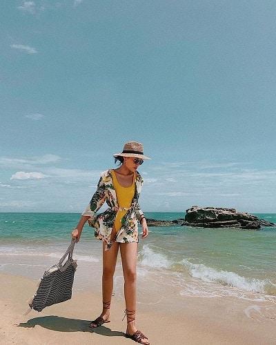 Bikini + Áo kimono đi biển