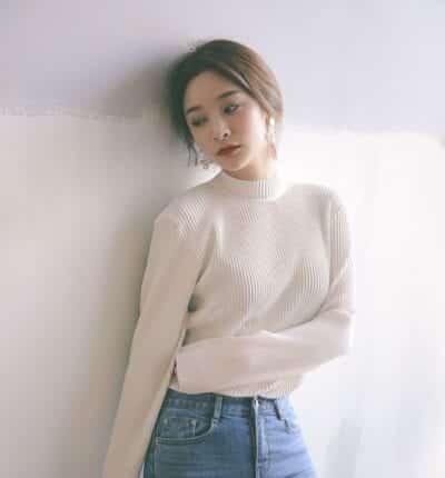 Áo len tăm phối quần jeans