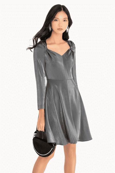 Váy dài tay ánh kim dành cho những bữa tiệc