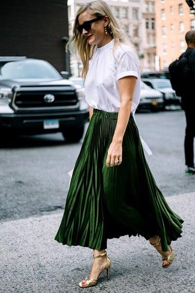 Váy midi dập ly - item khiến style công sở của nàng thăng hạng vùn vụt