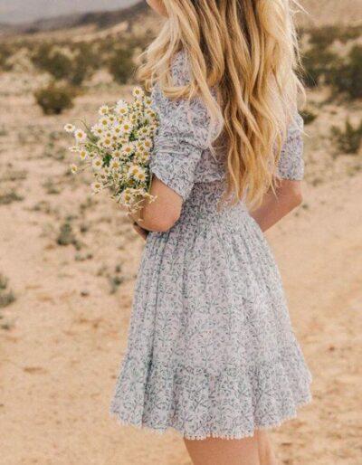 Đầm hoa nhí voan dáng xoè trông cực xinh xắn
