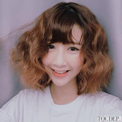 Kiểu tóc xoăn ngắn kiểu wavy