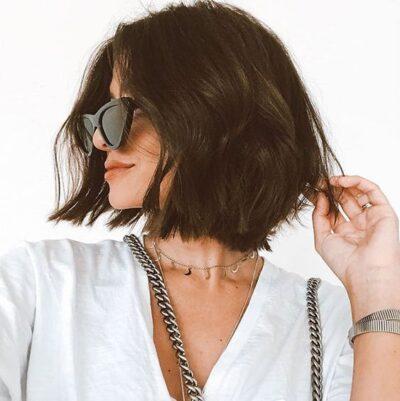 Tóc đẹp ngắn xoăn nhẹ dành cho tuổi trung niên