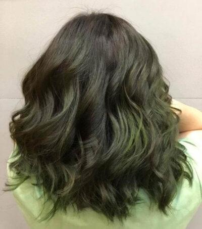 Kiểu tóc cho tuổi 35 nhuộm màu rêu