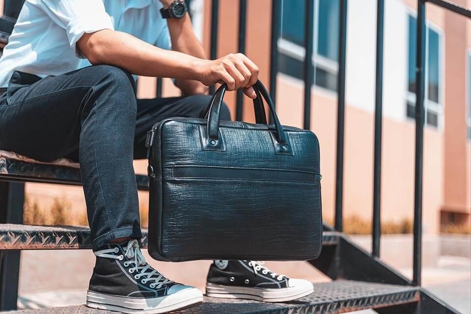 Túi xách có thiết kế đẹp mắt, thể hiện đẳng cấp của phái mạnh