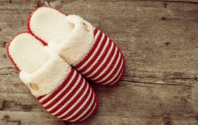 Dép bông - Ý tưởng quà tặng Noel độc đáo, ý nghĩa dịp lễ Giáng Sinh