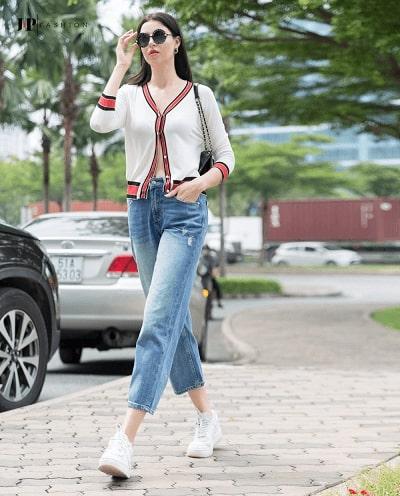 Sành điệu với set đồ quần jean skinny mix cùng chiếc áo croptop thật phong cách
