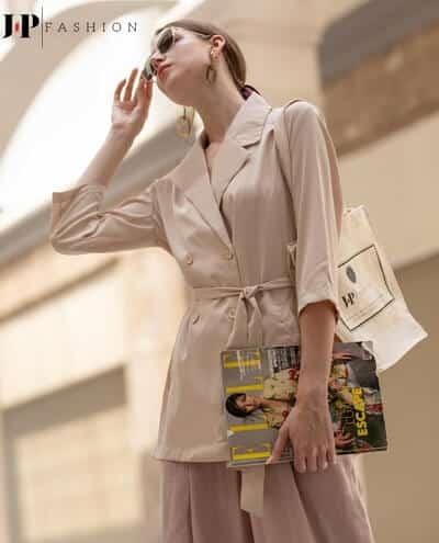 Đơn giản và nổi bật với kiểu áo blazer độc đáo