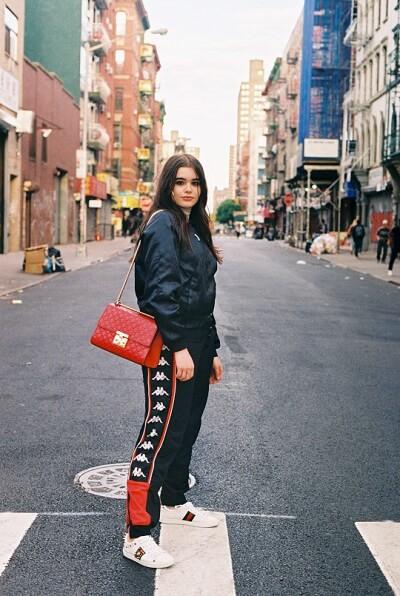 Giày Gucci Ong với phong cách unisex phù hợp cho cả nam và nữ