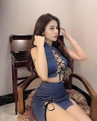 Kiểu trang phục áo đan dây quyến rũ này được bán rộng rãi trên các trang thương mại điện tử Trung Quốc